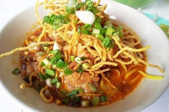 Khao soi (soup)